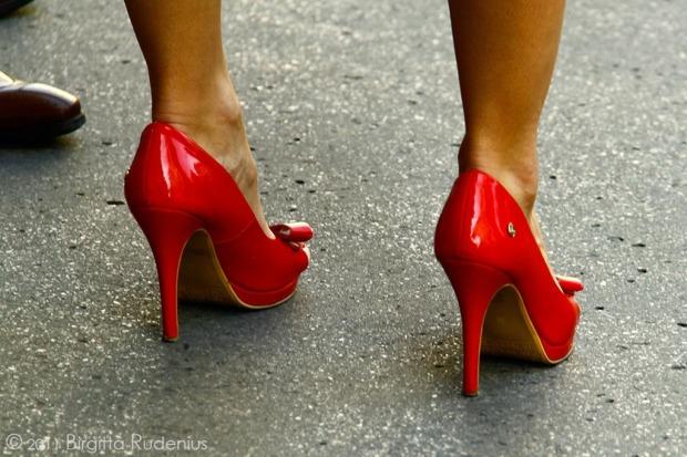 feet_20110928_red1.jpg