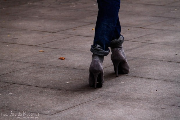 feet_20111008_grey.jpg