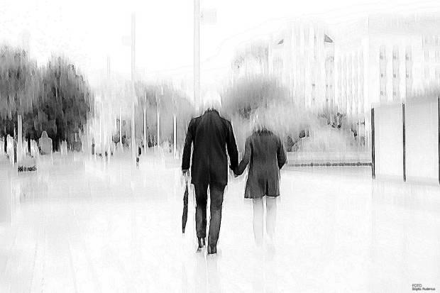 PhotoMania - Walking away