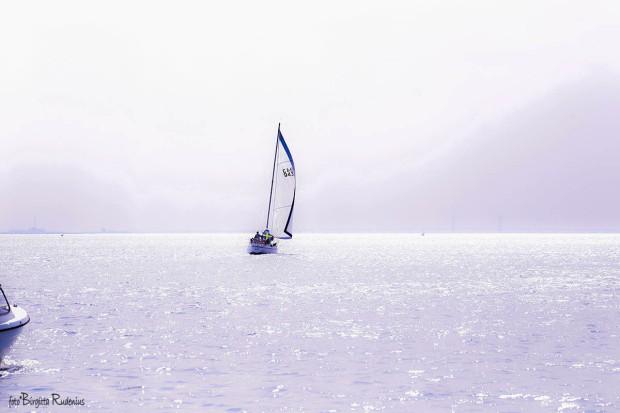 Sailing in sunlight