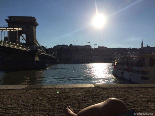 Vid Kedjebron och Donaus strand, Budapest