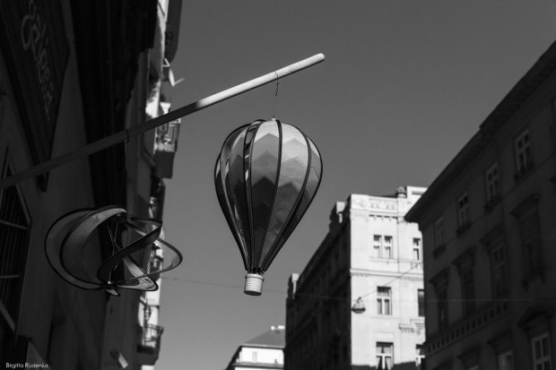 BW - Balloon for living Life .