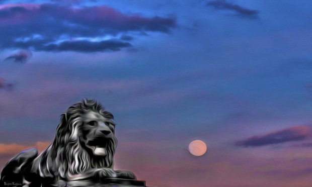 PhotoMania - The Lion Moon