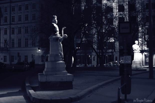 Blue Photo - Statue