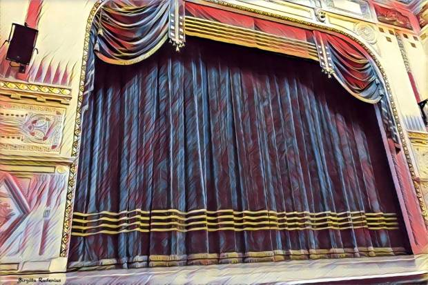 #byblogfia - Stage Curtain