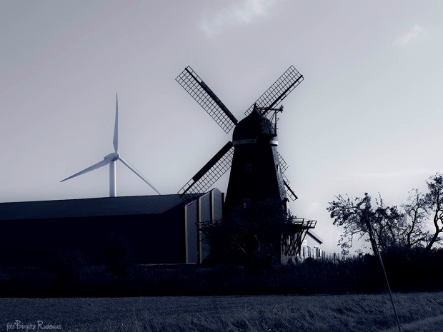 Blue Photo - Winds for Mills and Turbines