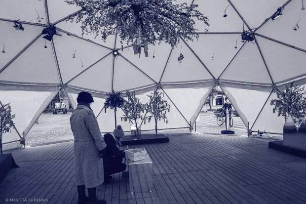 Blue Photo - Make a Wish in Igloo, Lund Sweden