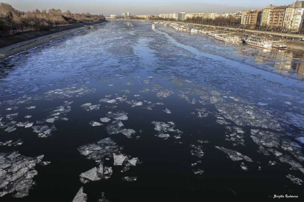 The Danube in ice - Budapest
