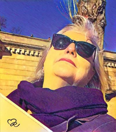 BR in the sun - Chain Bridge, Budapest.