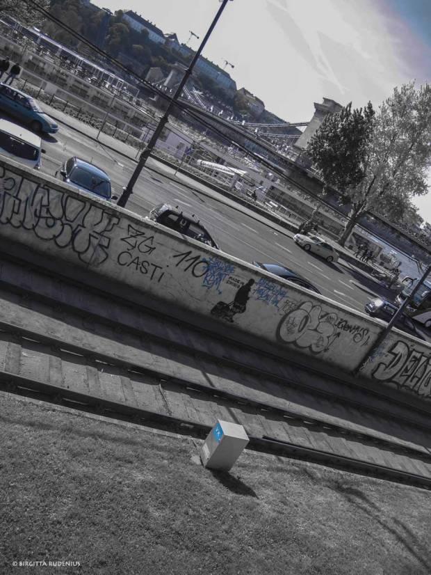 BW Blue - Street Art - Budapest.