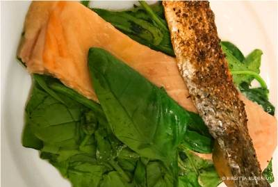 LCHF - Salmon and spinach - by #blogfia.