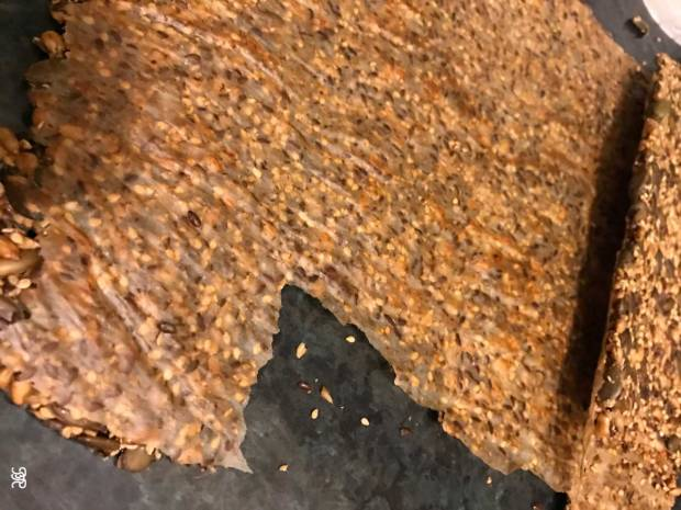 Sarantis baking paper - a disaster for seed bread.