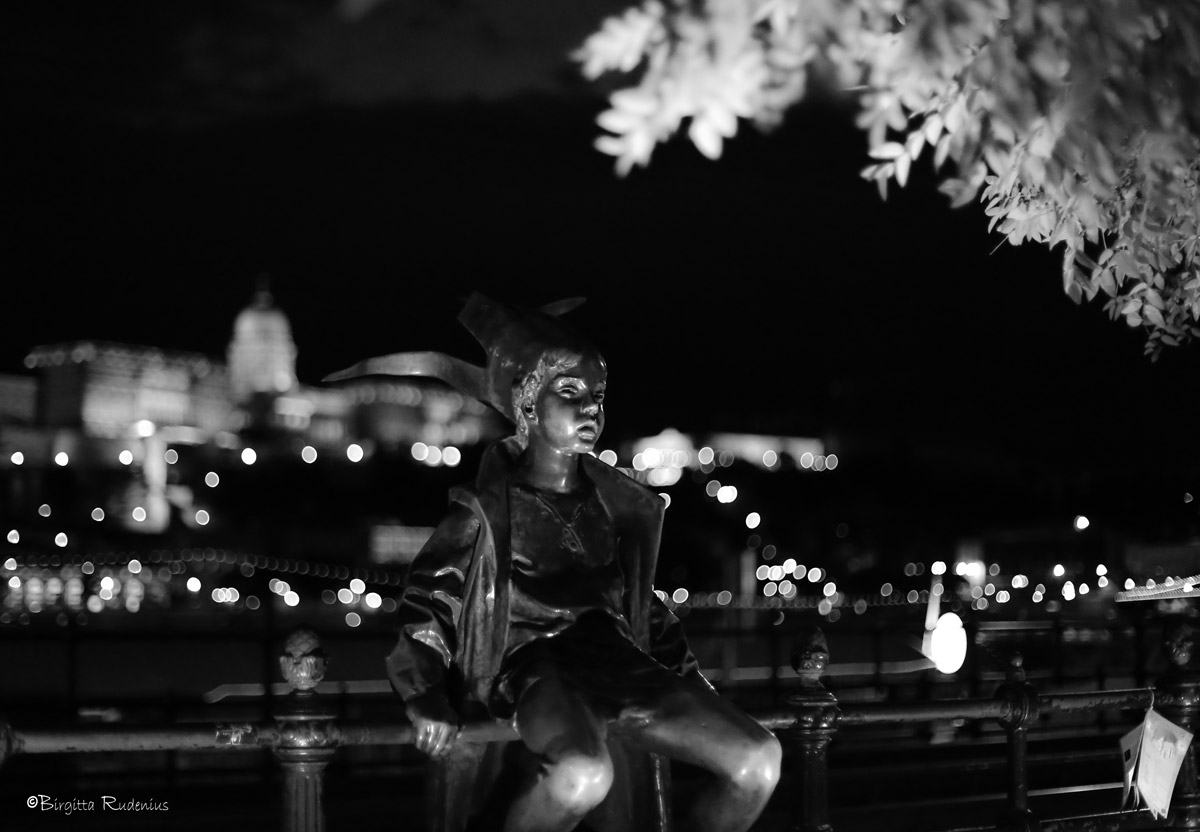 Black & White Statue Little Princess.