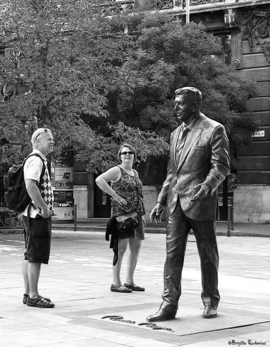 Street Photo - Ronald Reagan, Budapest.